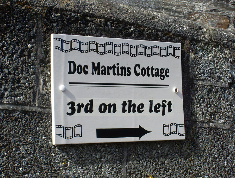 doc_martins_cottage_sign_portwenn