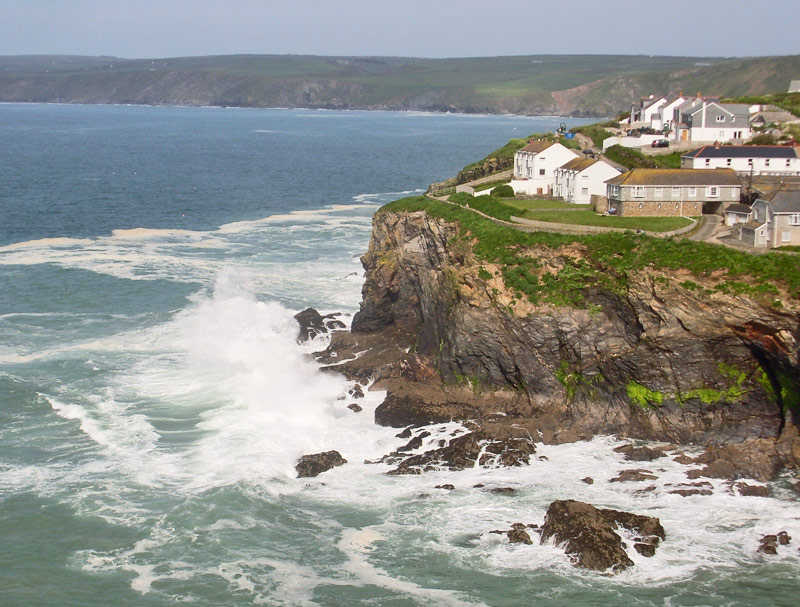 port_isaac_cornish_coastline